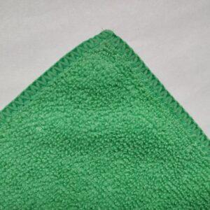 Mikrokiud lapp roheline, servatud ääred 320g/m2